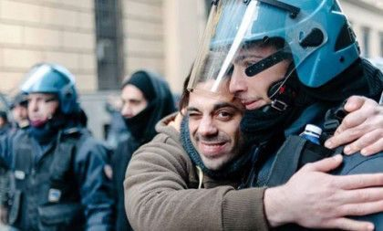 Nonviolenza  e  Forze dell' Ordine: un Convegno nazionale a Livorno