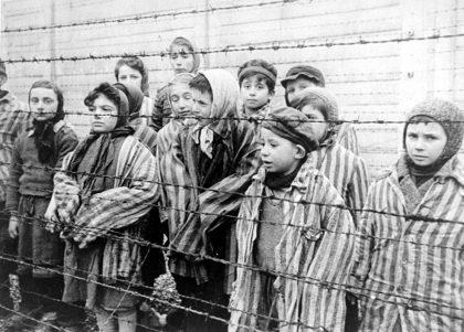Ad Auschwitz a tredici anni. Il racconto di Liliana Segre